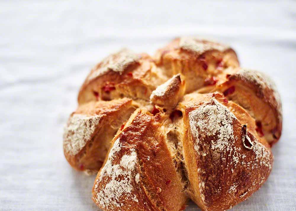 Frisch gebackenes Brot - Food-Fotografie und Image-Motive aus der Backstube: Anna Schneider / neon fotografie